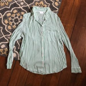 Abound button up top size L